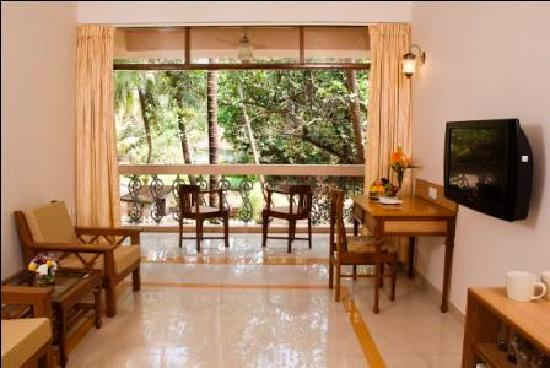 Ocean Palms Goa: Palm Suite Living room