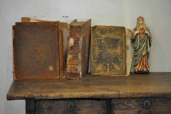 Mission San Diego de Alcala : Old Books