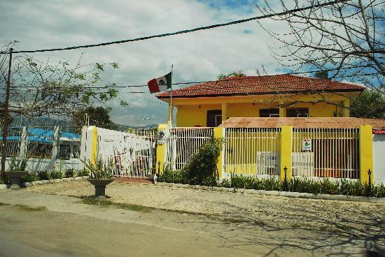Pousada Casa do Sandalo, Boutique Guesthouse: The front of the Mexican Consulate