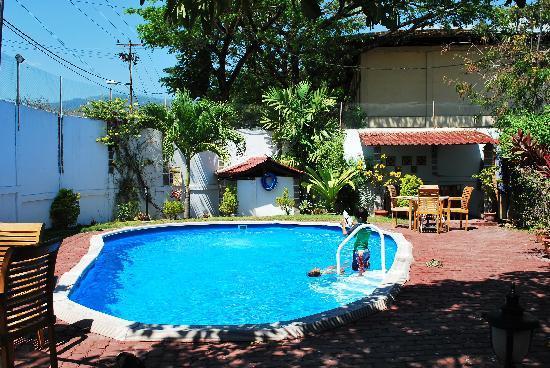 Pousada Casa do Sandalo, Boutique Guesthouse: The kids had fun at the pool