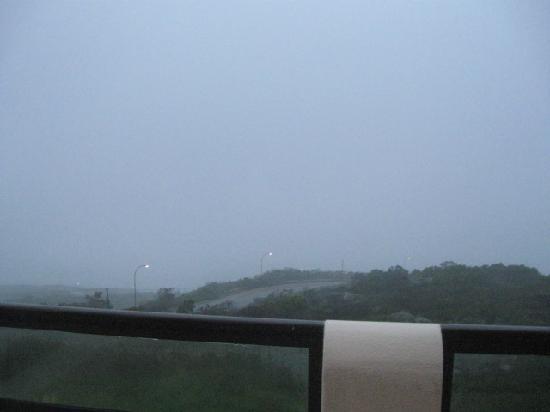 Dana Bay B&B Guest House: Even when raining it's beautiful