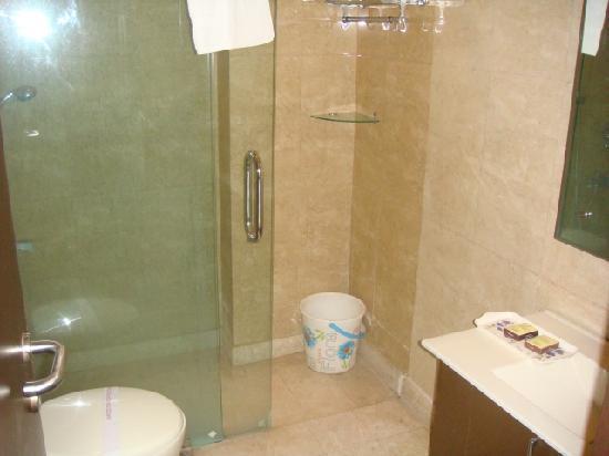 Hotel Vista Inn: bathroom was clean