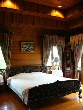 Jaiya Mongkol Bed and Breakfast: ฺำGuest bedroom