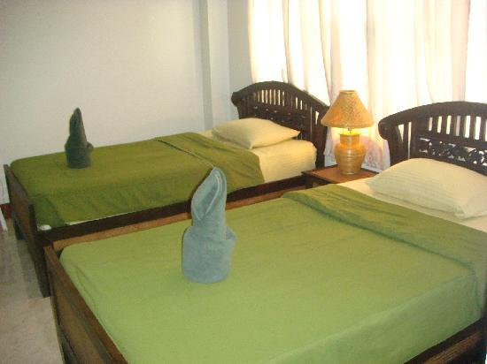 Junior Guest House: Twin Bed room.