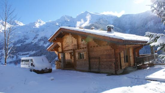 Chalet Fan La Bise: Snowy mountain views