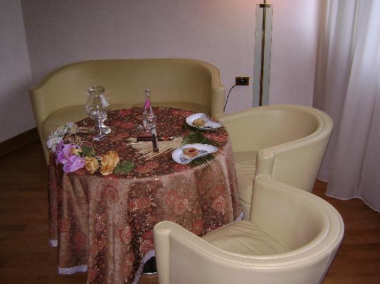 Solofra Palace Hotel & Resorts : cena in camera