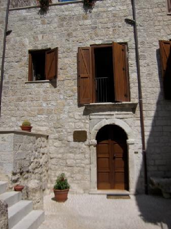 Hotel Residenza Petra: hotel front door