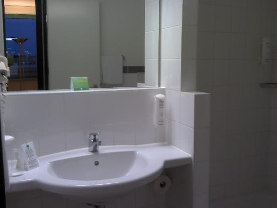 Holiday Inn Essen City Centre: La salle de Bain