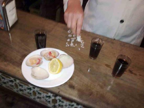 Victoria Hostal Malaga: My bar bill