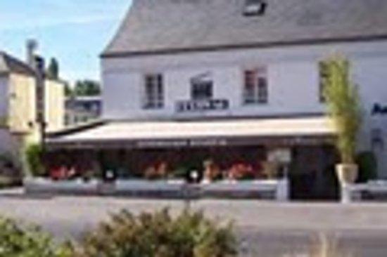 Luzarches Cafe Paris