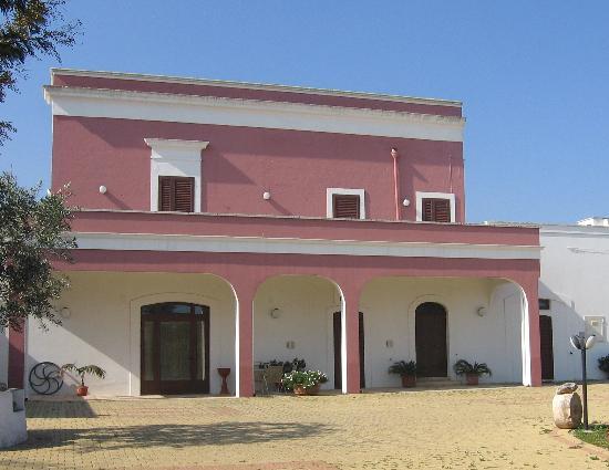 Masseria Calderale: La facciata della Masseria