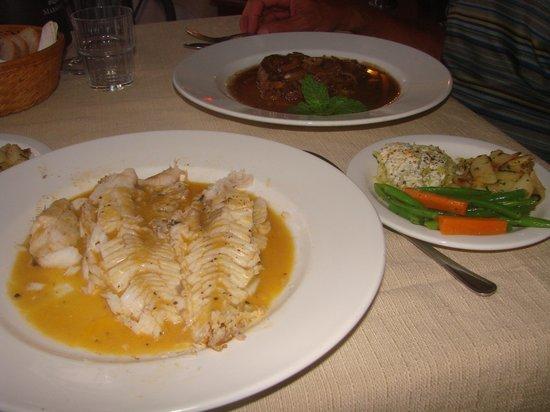 Da Manuel Restaurant: Lipp and vegetables - perfect portions