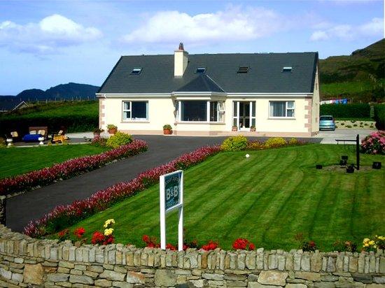 Ocean Spray Bed & Breakfast: Ocean Spray B&B accommodation, Muckross, Kilcar, Co. Donegal, Ireland