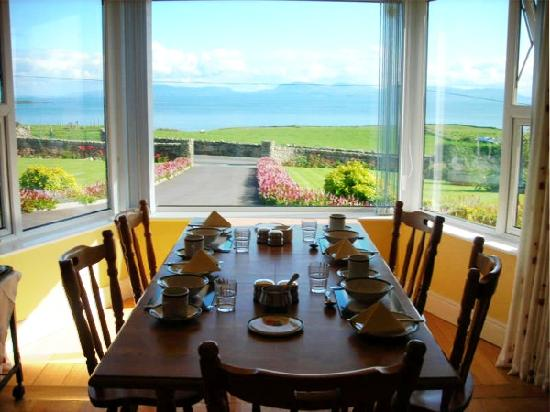 Ocean Spray Bed & Breakfast: Excellent Guest Dining room in Ocean Spray showing the view, facilities including Wi-Fi Internet