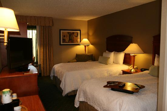 "Hampton Inn Milwaukee Northwest: Two Double Room with 32"" HDTV"