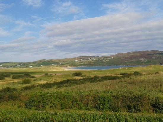 Portnablagh, Irlanda: View from our window... my photography skills don't do it justice.