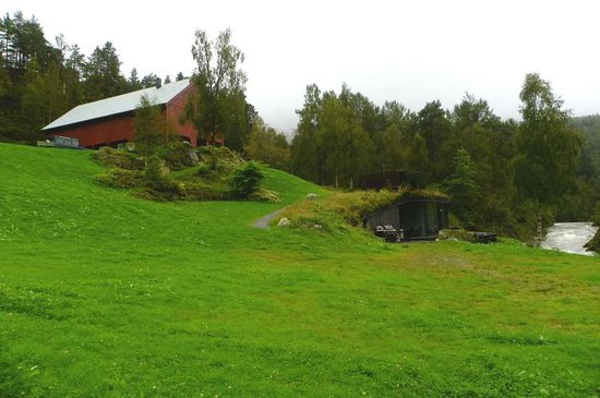 Valldal, Noruega: underground spa building & main farm building