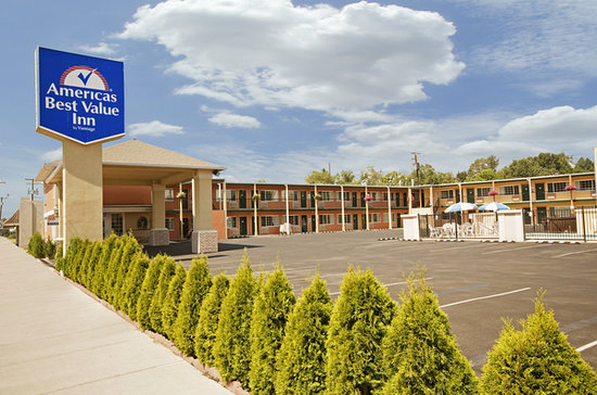 Americas Best Value Inn Pendleton: Main exterior