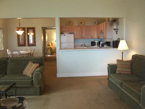 Inn at Camachee Harbor: Our Deluxe Suite