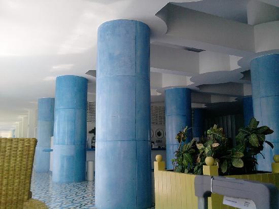 Elcano Hotel: recepcion/desk