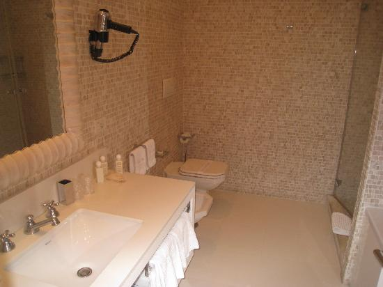 Relais Blu Belvedere: Bathroom (juniorsuite).
