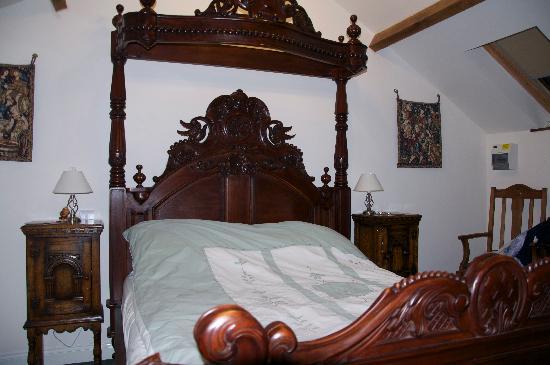 Beili Helyg Guest House: Bedroom first floor.