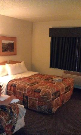 AmericInn Lodge & Suites Griswold: Beds
