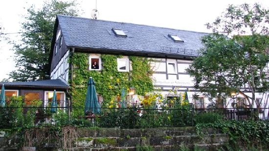 Landgasthaus zum Schwarzbachtal: Fachada 1