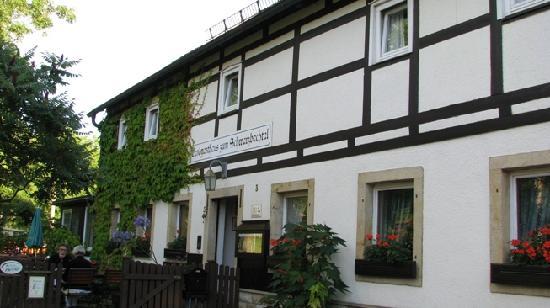 Landgasthaus zum Schwarzbachtal: Fachada 2