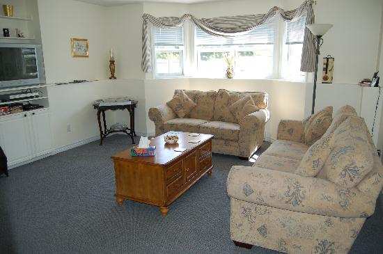 Coverdale Bed & Breakfast: Relax in the guest lounge