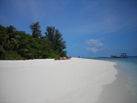 Bathala Island Resort: spiaggia sud