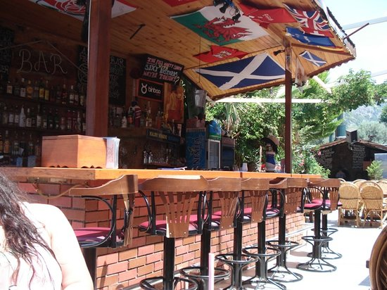 Anfora: The bar by day