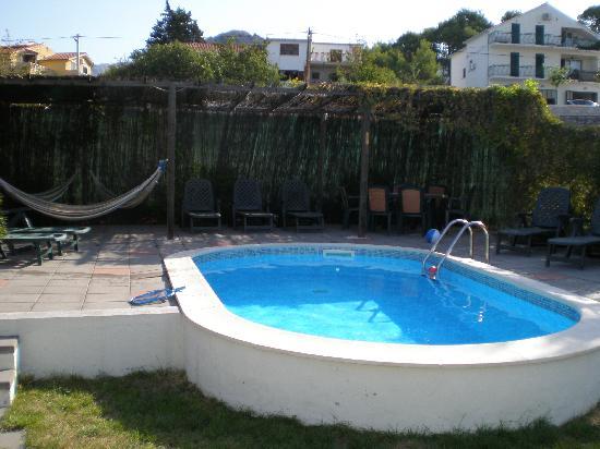 Kamena Lodge: Pool