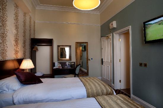 Cabot Court Hotel: Twin Room
