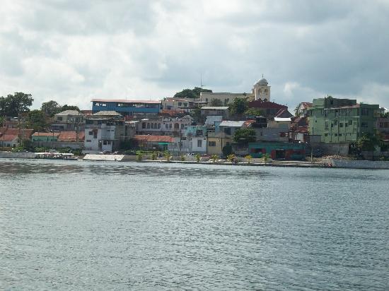 """Hotel Posada de la Jungla: vue d'une """"lancha"""" sur l'eau"""