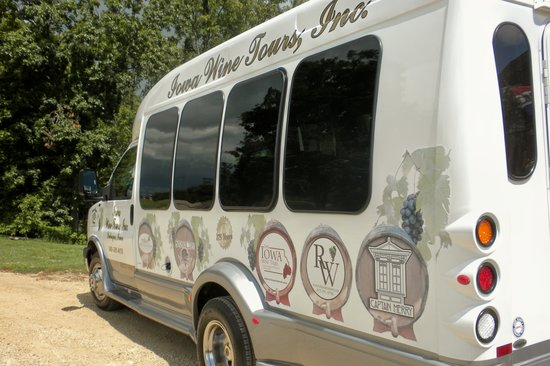 ‪Iowa Wine Tours‬