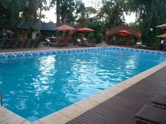 Orquideas Hotel & Cabanas: Vista de la piscina