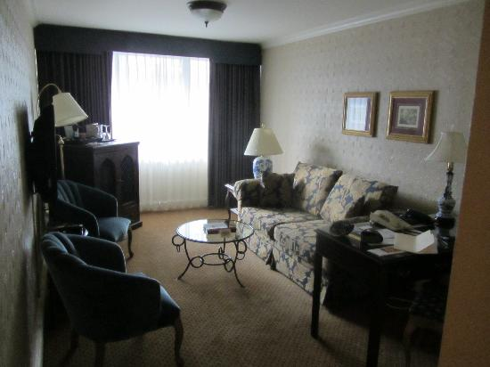Wedgewood Hotel & Spa: The other part of the suite