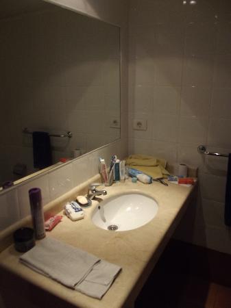 Apartamentos Dorotea: bathroom