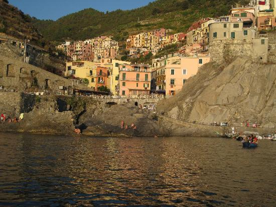Angelo's Boat Tours: cinque terre