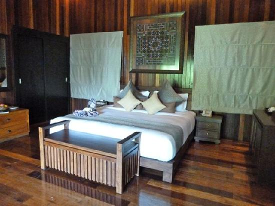 Bunga Raya Island Resort & Spa: The main bedroom of a two room Villa.