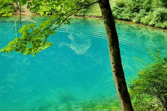 "Blaubeuren, Germania: Blue ""Blautopf"""