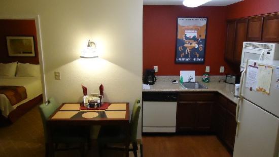 Residence Inn Lakeland: Room 308 - 2