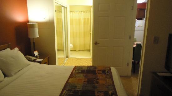 Residence Inn Lakeland: Room 308 - 4