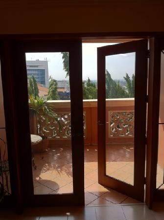 Sophia Suites Residence Hotel: The veranda.