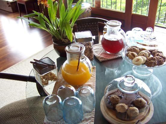 Holualoa Inn: Afternoon Treats