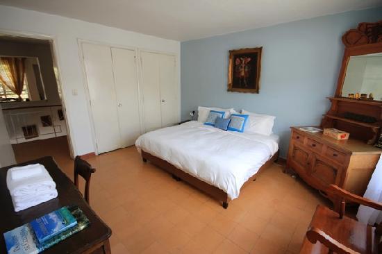 Su Casa Colombia: Reverse View of Room #2