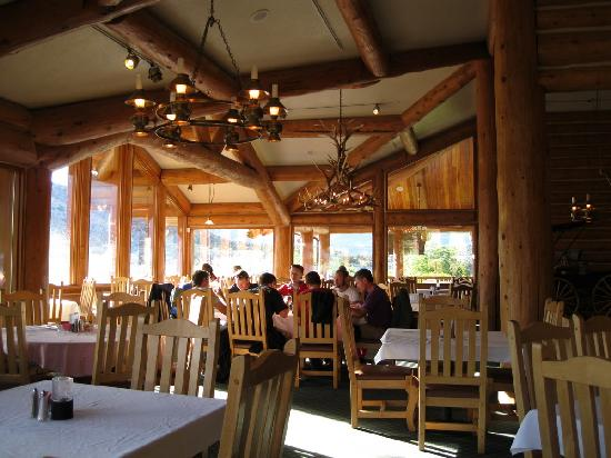Arkansas Al's Steakhouse and Saloon : View of Dining Room