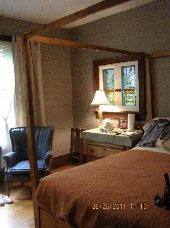 Paris Guest House: our room