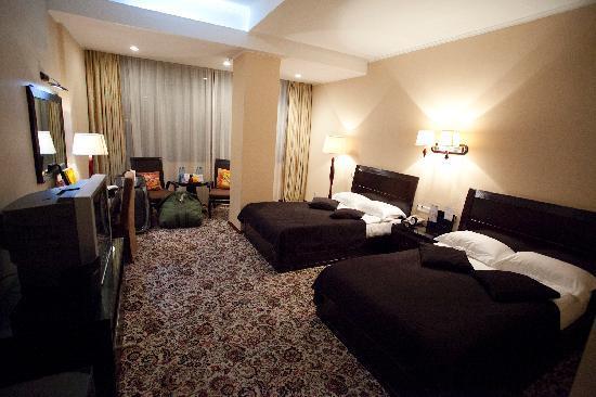 Jannat Regency Hotel: Hotel room